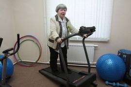 Пожилые люди так любят спорт!